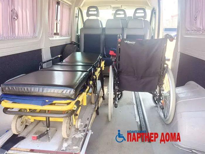 Как проходит междугородняя перевозка лежачих больных?