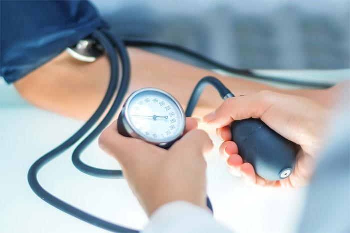 Влияет ли температура тела на кровяное давление?