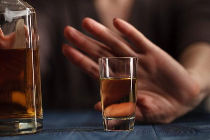 Лечение или кодирование от алкоголизма?