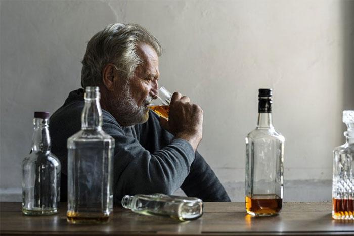 Вывод из запоя при хроническом алкоголизме